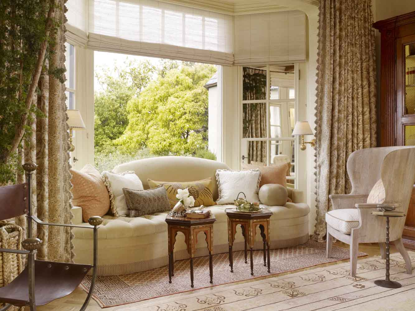 design swirl san francisco decorator showcase last call. Black Bedroom Furniture Sets. Home Design Ideas