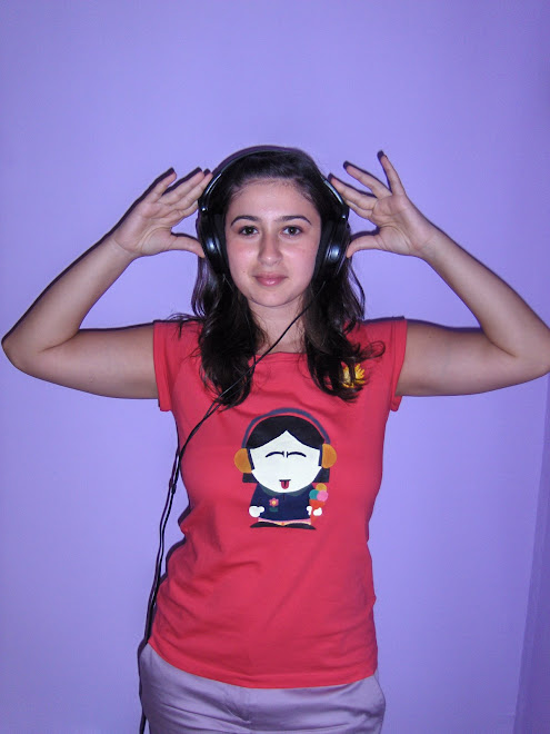 Irisuk si tricoul ei roz :D by Adi