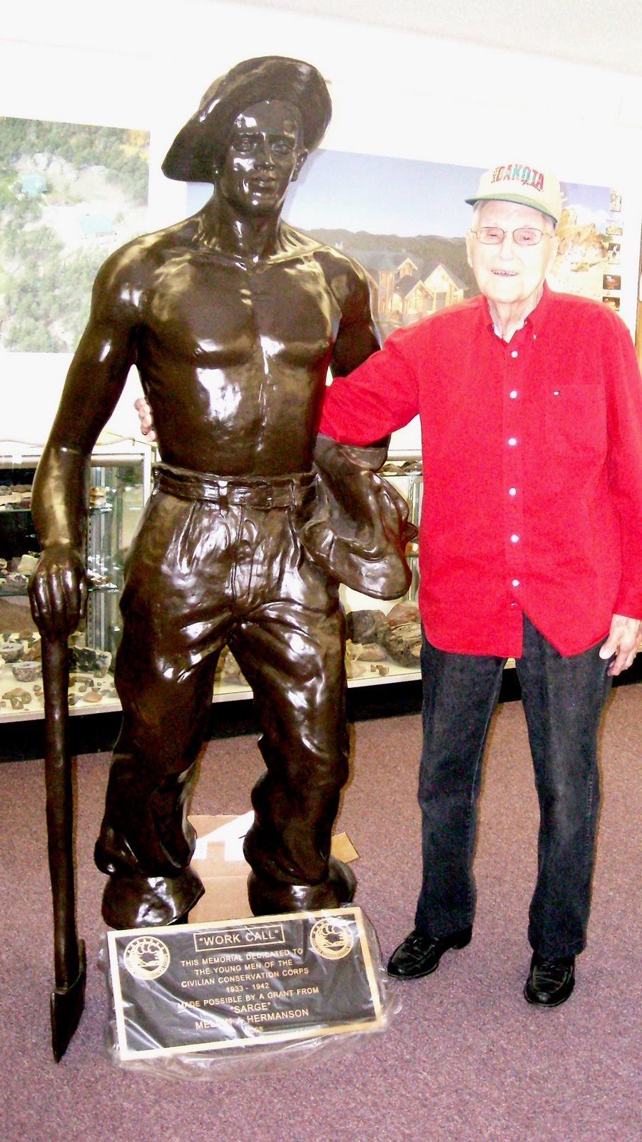[Mel+and+statue,+1.jpg]