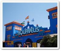 Entrada a Aquavelis, el parque acuático de la Axarquía