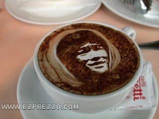 bruce lee en café