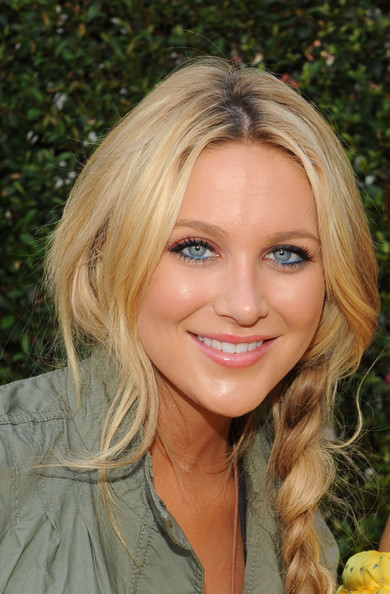 jodriart stephanie pratt carefree about looks