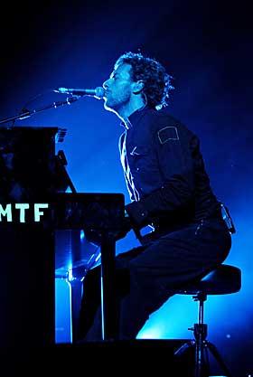 [piano+chris+martin.jpg]