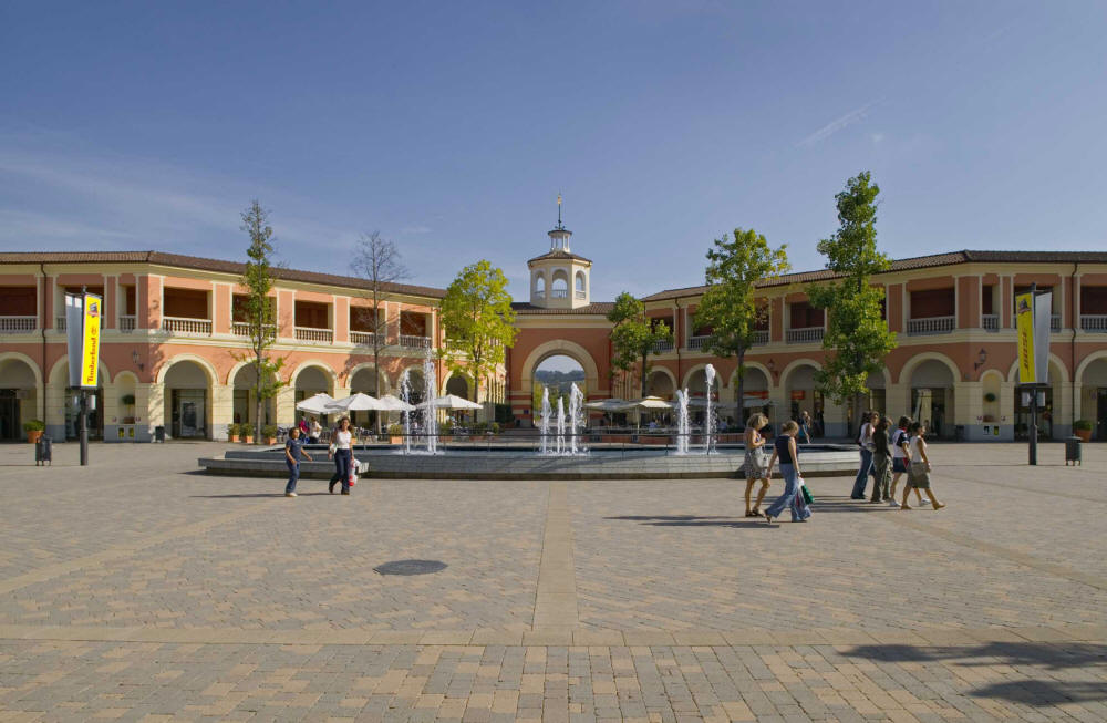 Top 3 outlet malls in italy for Design outlet