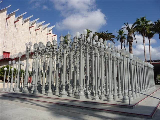Experiencing Los Angeles: Chris Burden's Urban Light at LACMA