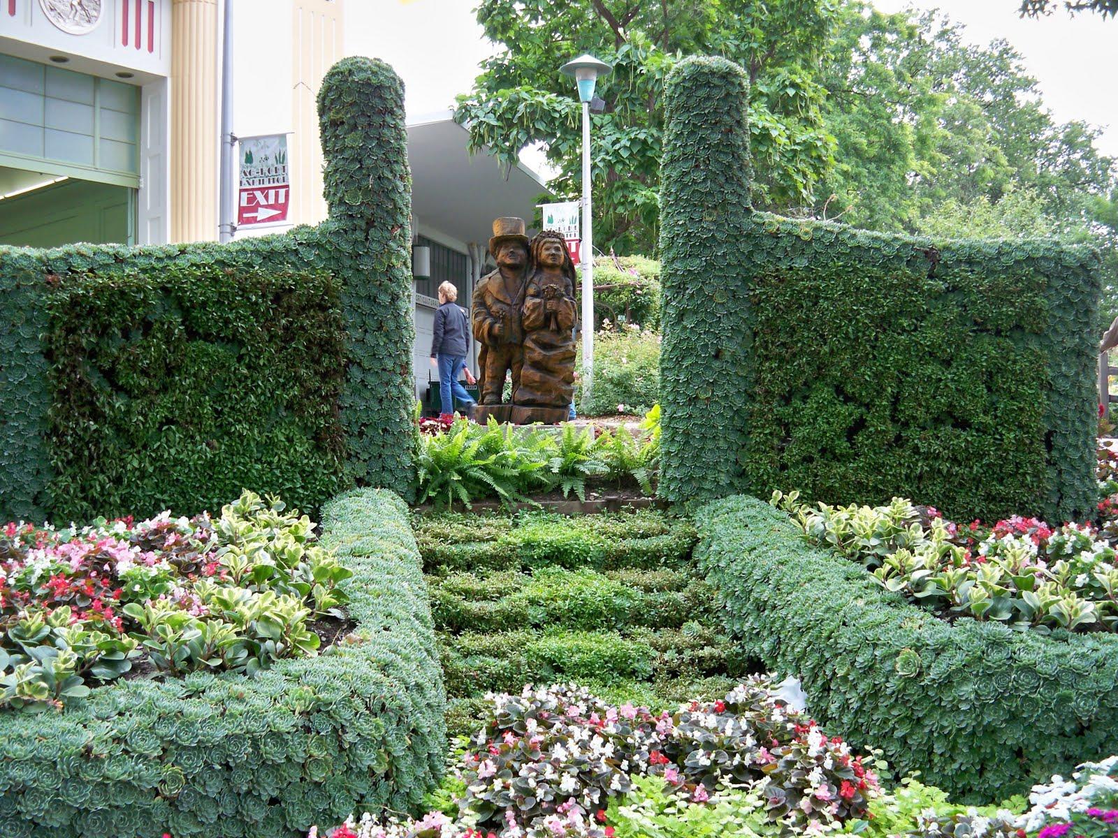 Roses In Garden: Auntie K's Garden: MN State Fair Garden Tour