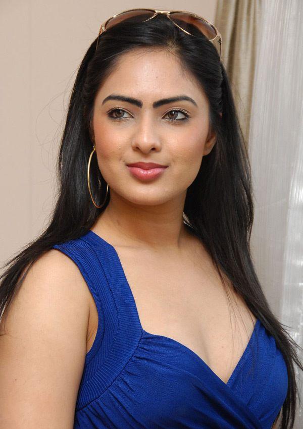 Pure Telugu Tollywood Sexy Actress Nikesha Patel-2152
