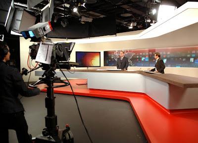 SF prüft Selbstfahrtechnik bei der Multimedia Newsredaktion
