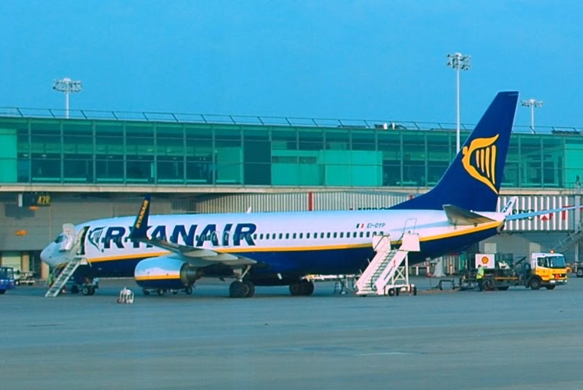 Aeroplane spotting (Photograph): Ryanair Boeing B737-8AS (EI-DYP) parked in London Stansted Airport