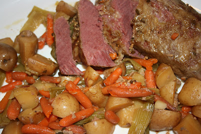 Traditional Slow Cooker Corned Beef and Vegetables