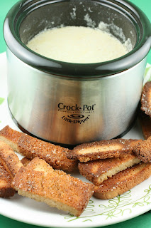 "From scratch recipe for ""fancy"" cheese fondue in the CrockPot Slow Cooker"