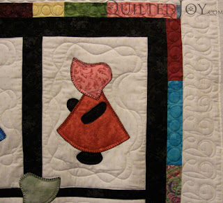 Sunbonnet Sue with custom quilting by Angela Huffman - QuiltedJoy.com
