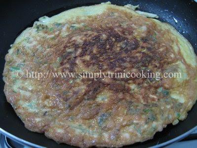 Herbed Rotisserie Chicken Omelet