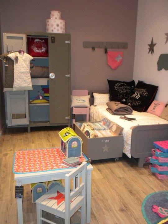la girafe dans le placard f vrier 2010. Black Bedroom Furniture Sets. Home Design Ideas