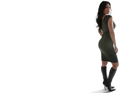 kim kardashian wallpapers. Kim Kardashian Wallpaper