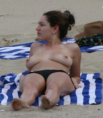 kelly brook topless pics