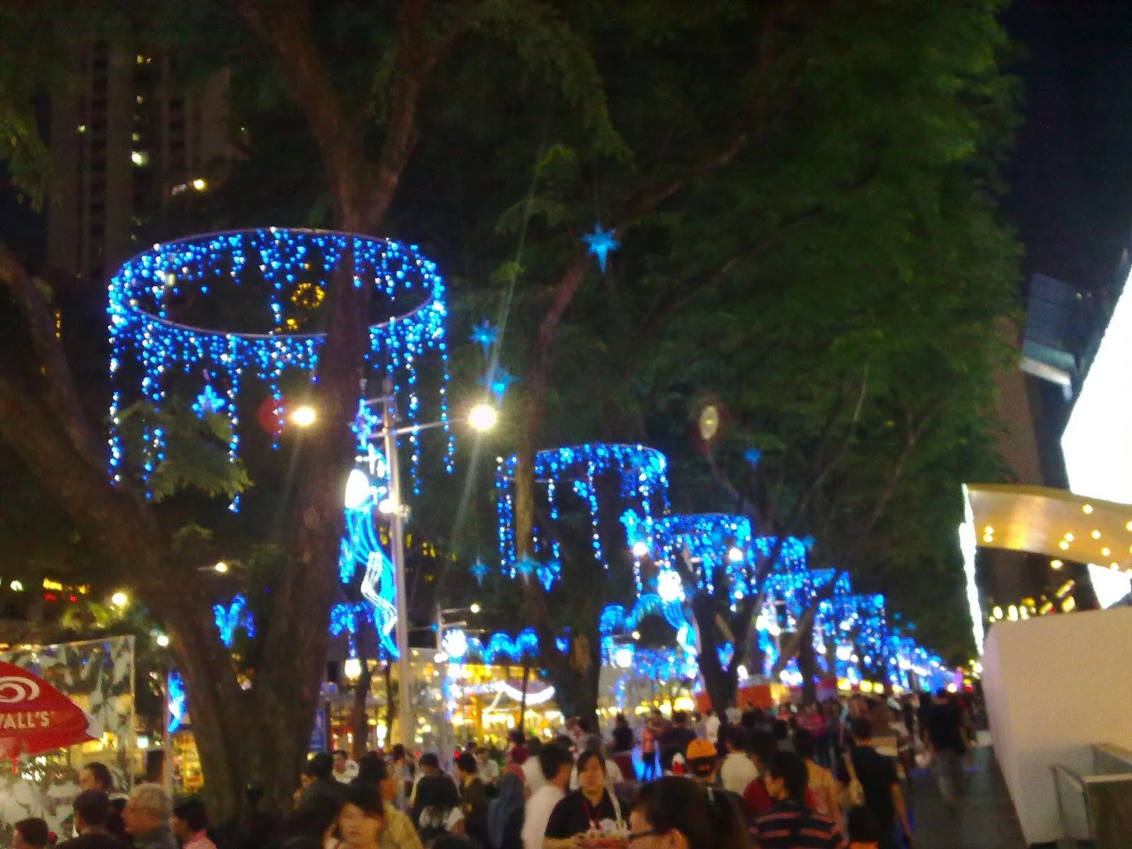 Ben Alagnam It S Christmas Time In Singapore 2010