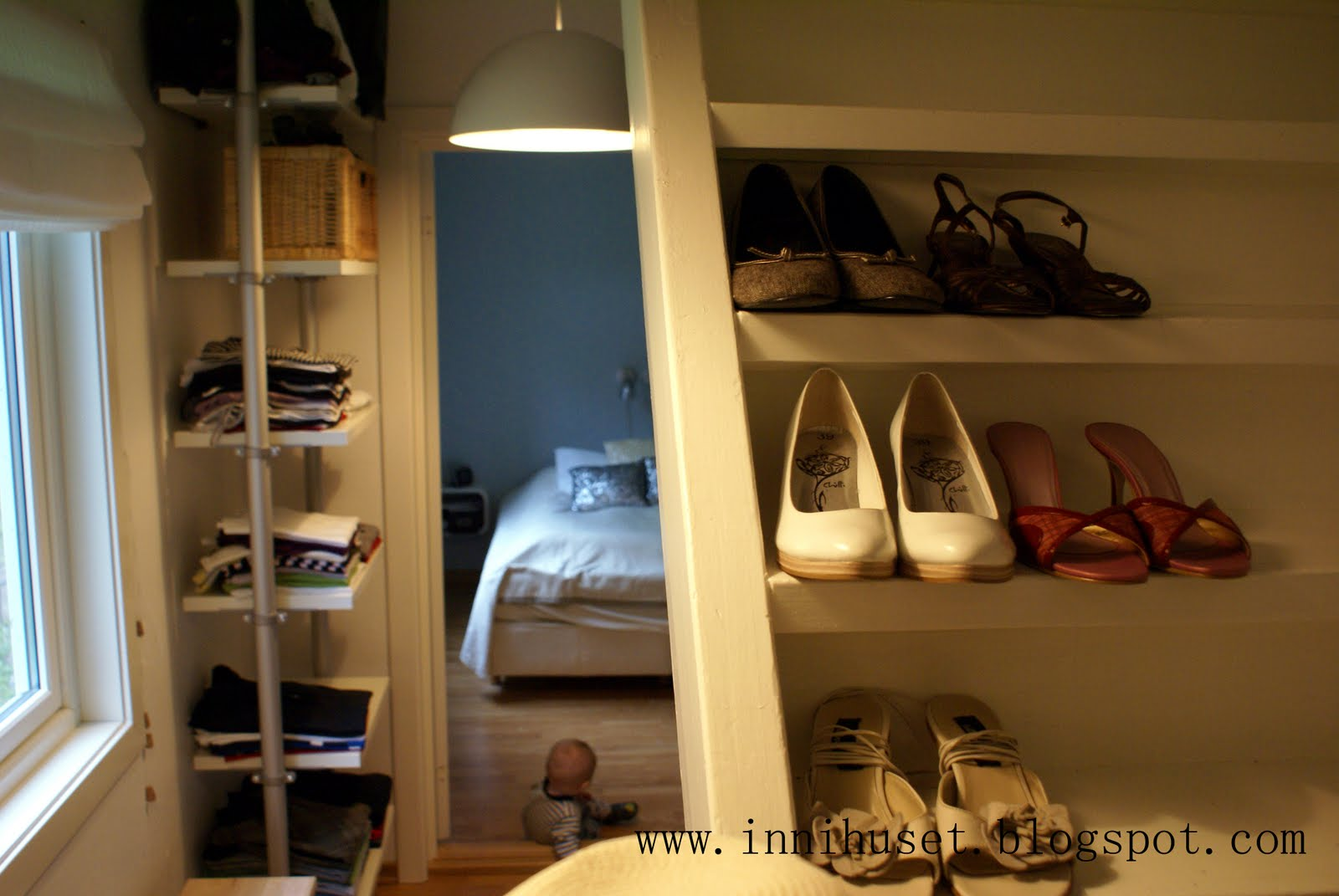 Photo Walk-in Garde-robe Innihuset Walk In Garderobe Del 2