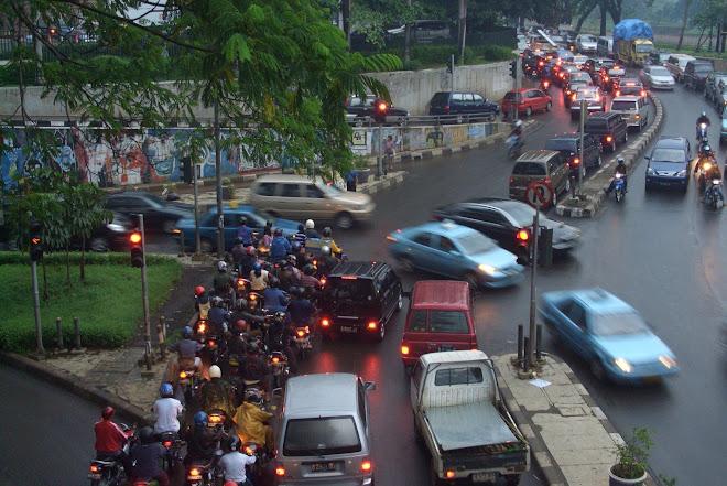 Modern Realism, Jakarta Commuting