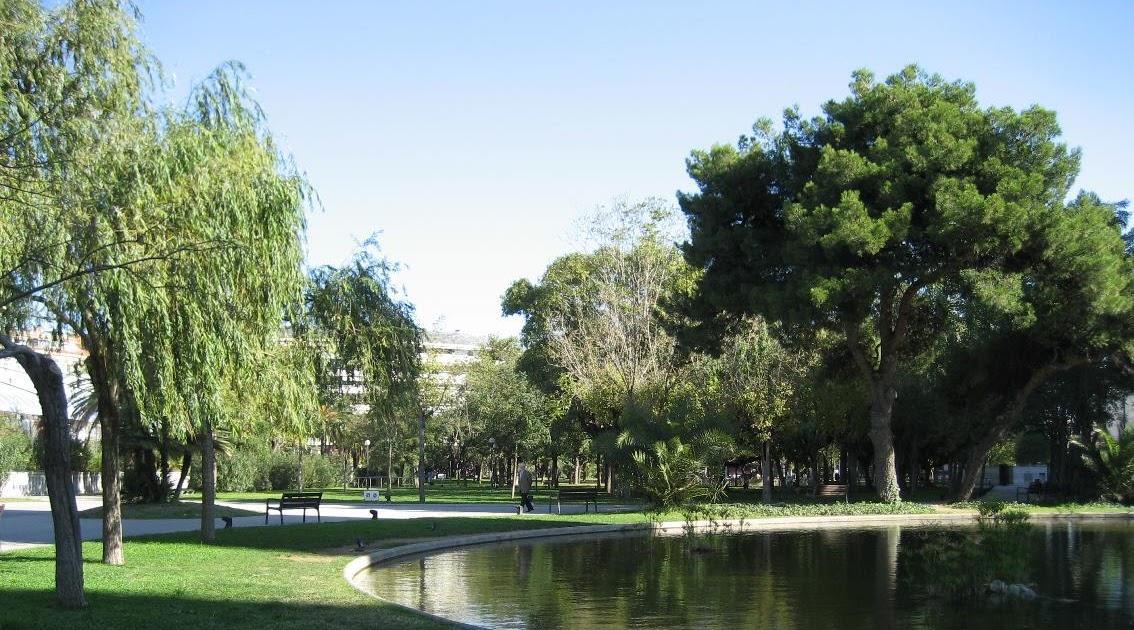 Hablemos de jardines parc piscines i esports barcelona for Hablemos de piscinas