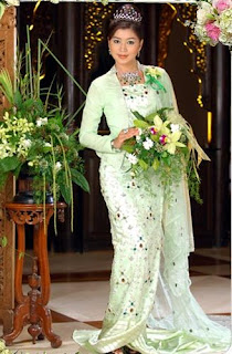 Eain Mat Nyo S Collections Model Eaindra Kyaw Zin Myanmar Traditional Wedding Dress