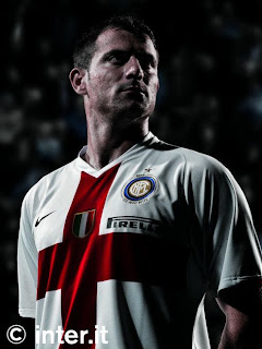 best authentic e34d1 0b3ad the Cruz Pitch: New 2007-08 Inter Milan Away Kit: One of the ...
