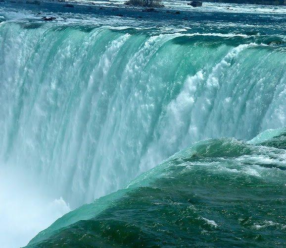 Amazing Places Canada: Victoria Falls, Niagara Falls, Great Wall Of China