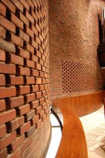 Capilla del MIT Eero Saarinen Historia e Imágenes