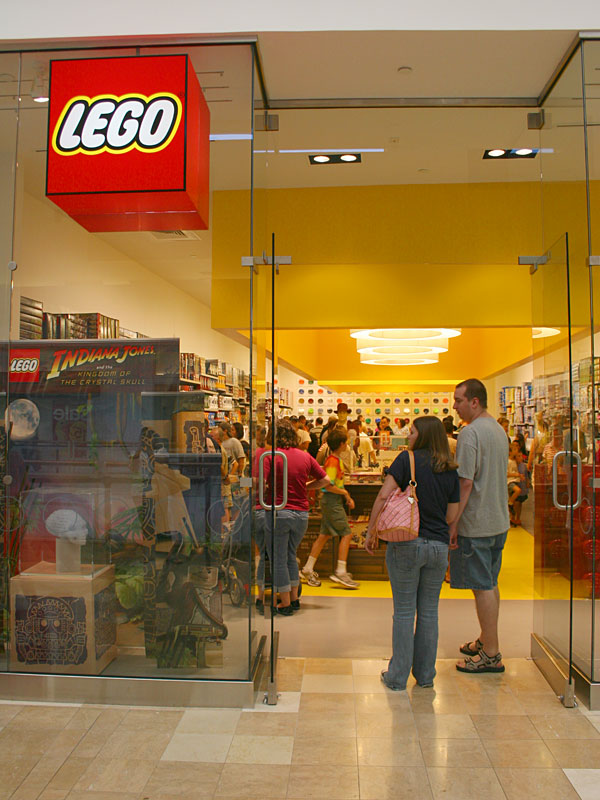 New Lego Store Opening Soon In Glendale