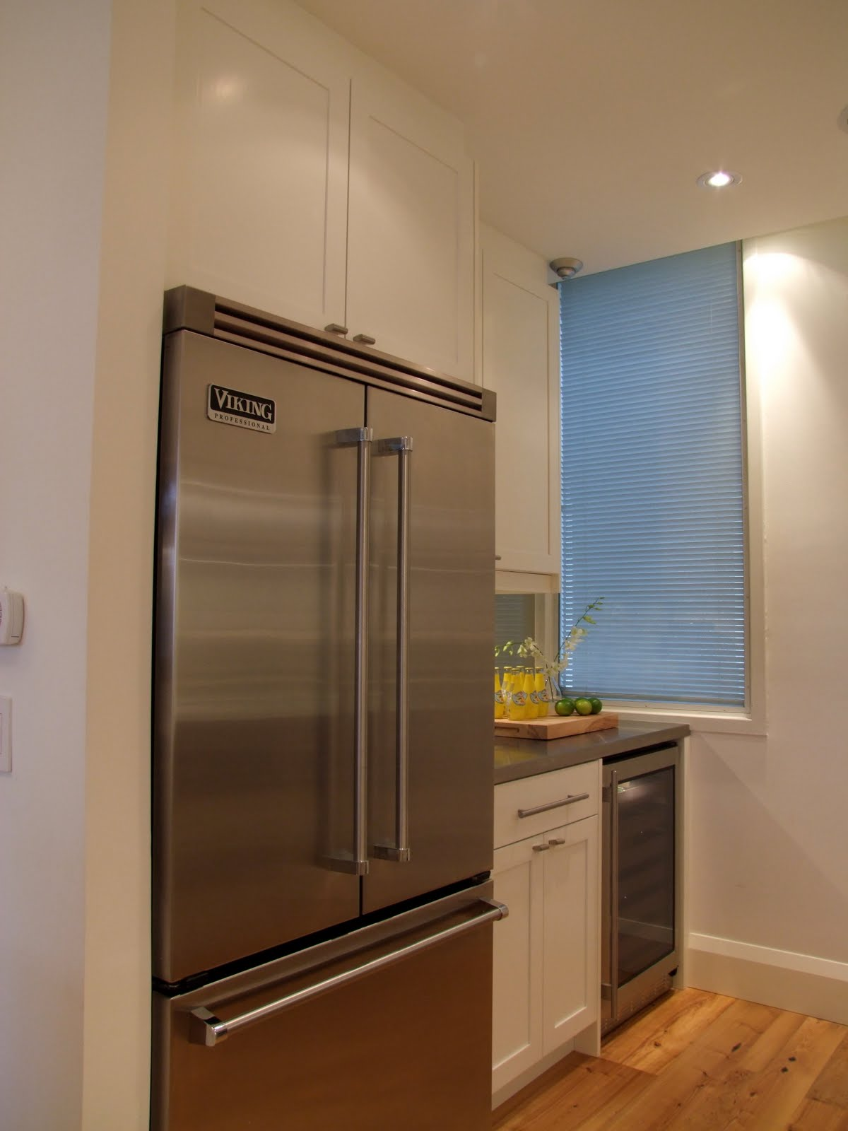 Home Decorating: Painting Ikea Kitchen Cabinets