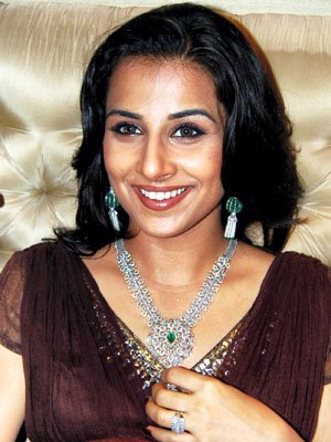 vivacious vidya balan at diamond jewellery launch hot photoshoot