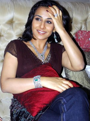 vivacious vidya balan at diamond jewellery launch unseen pics