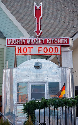 Mighty midget kitchen
