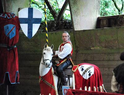 Les Ecuries de Quilimar et ARES Production, Spectacles Equestres vous ont  proposé, le Mardi 29 Avril 2008, à 15H un spectacle pédagogique et ludique  ... 773a55618f7