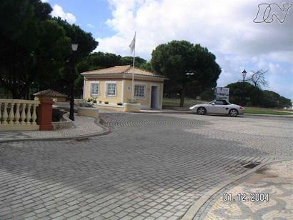 TERRENO PARA: CONDOMÍNIO PRIVADO DE MORADIAS EM LOULÉ - FERRARIAS ; REF: C.011-08