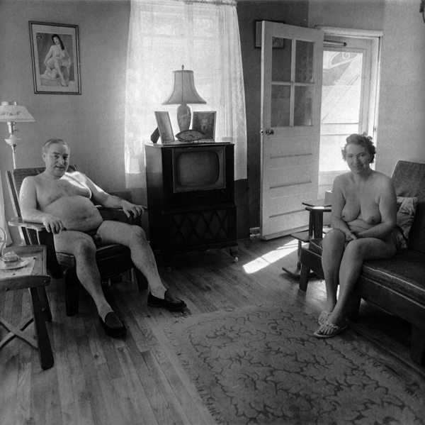 [0012.+Diane+Arbus,+Retired+man+and+his+wife+at+home+in+a+nudist+camp+one+morning,+Diane+Arbus+(New+Jersey,+1963.jpg]