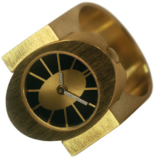 Watchismo times sandrine oppliger ring watch for pierre junod for Watchismo
