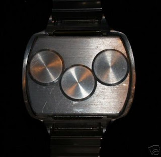 VINTAGE WATCHING - 1970 Prototype Concept Calculator Watch by Litronix