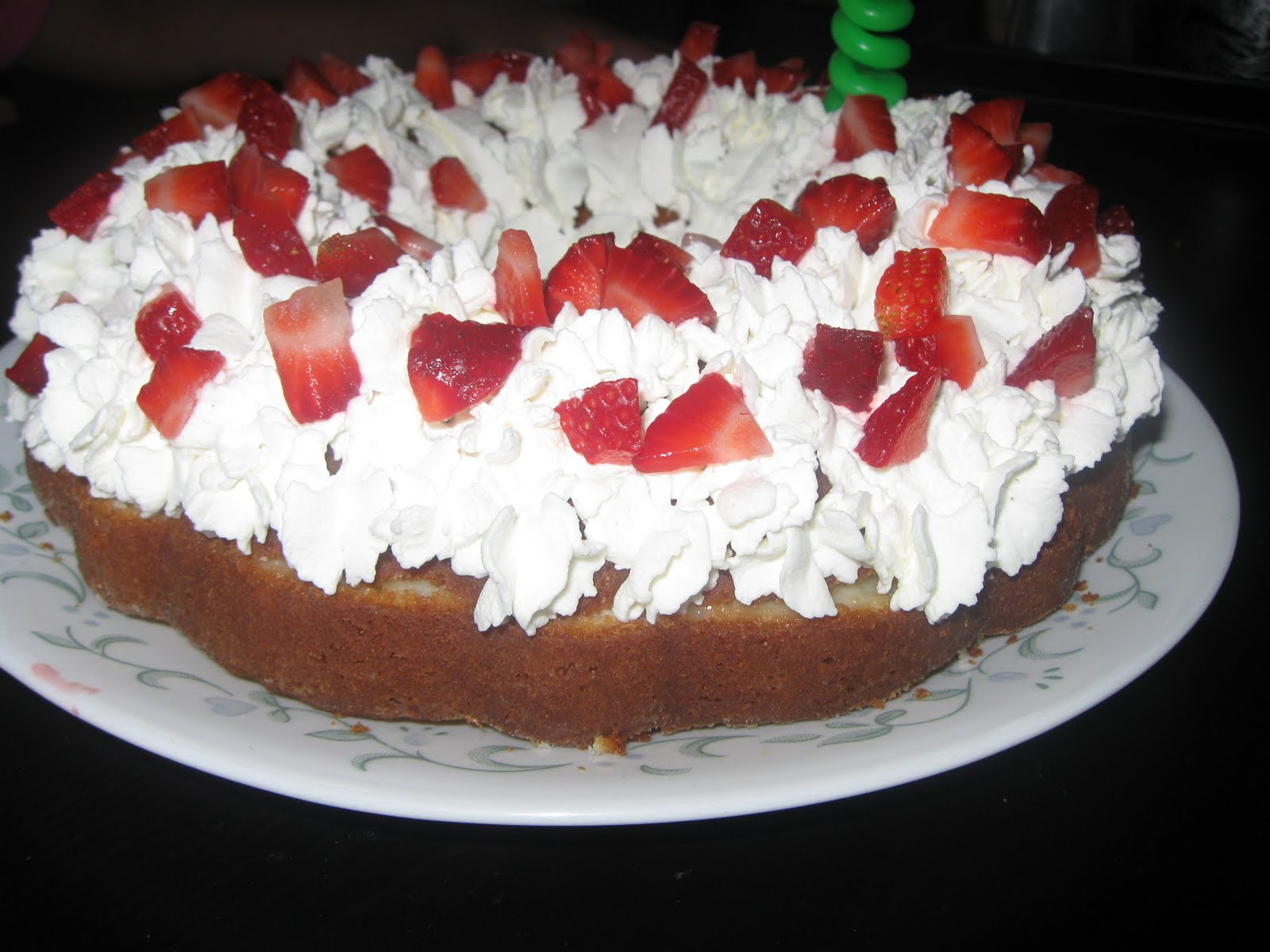 Find your Recipe of the Day!: Boston Creme Strawberry Cake