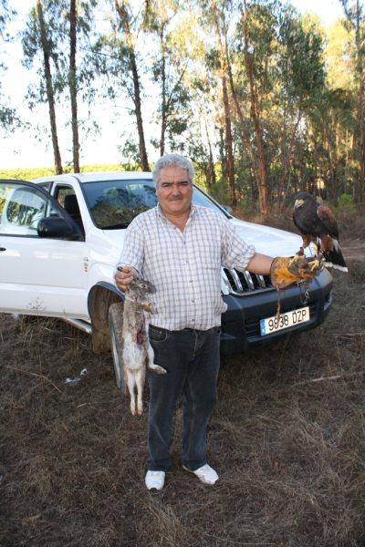"""Mariano en una de tantas jornadas de caza compartidas con su hijo Jose y """"La Nieta"""""""