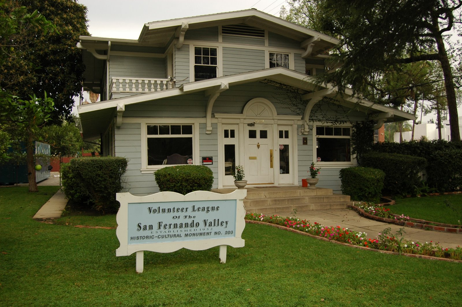 Daily News: History Buff Plans Van Nuys Walking Tour – Here