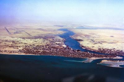 http://bp1.blogger.com/_Hq0IJdSo9-4/Rb8cwWXr3jI/AAAAAAAAAAc/DmBaJwRkKJU/s400/Dubai+aerial+1971.jpg