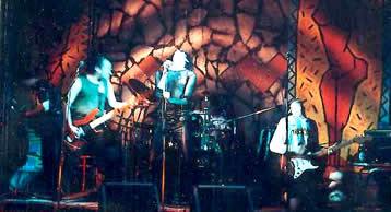 La banda en vivo, taladrante
