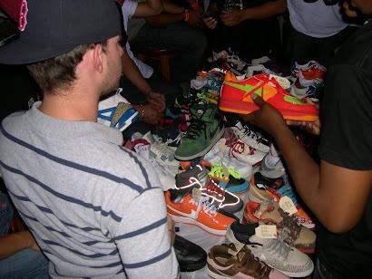 PEEP THE SNEAKS @ DUNKXCHANGE NYC 2008
