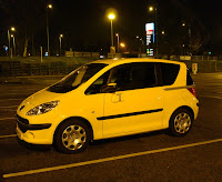 Yellow Peugeot 1007