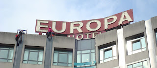 Starting to abseil down the side of Belfast's Europa Hotel