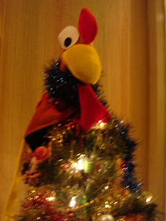 Is that an Emu at the top of the Christmas tree?