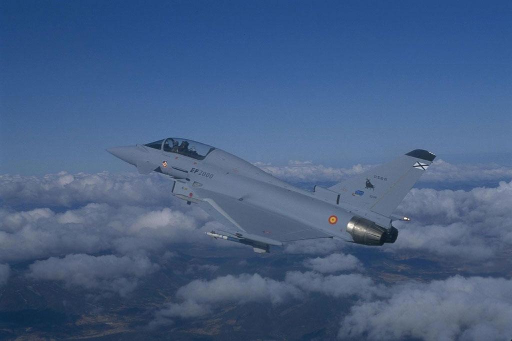 L'aéronef que vous aimeriez absolument piloter - Page 3 EF%2B2000%2BEurofighter%2BTyphoon%2B0015%2B(spain)
