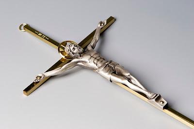 Gaspar Llamazares, contra biblias y crucifijos