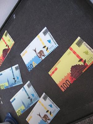http://1.bp.blogspot.com/_I8ygg3JHGXo/SNrAmWeDw2I/AAAAAAAAAV0/S2YBA0i1T2A/s400/Amero+notes.jpg